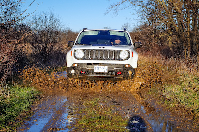 2017 Jeep Renegade Trailhawk off road mudding