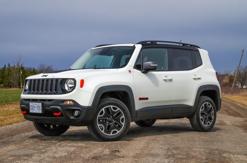 2017 Jeep Renegade Trailhawk alpine white paint