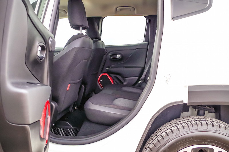2017 Jeep Renegade Trailhawk rear seat legroom space