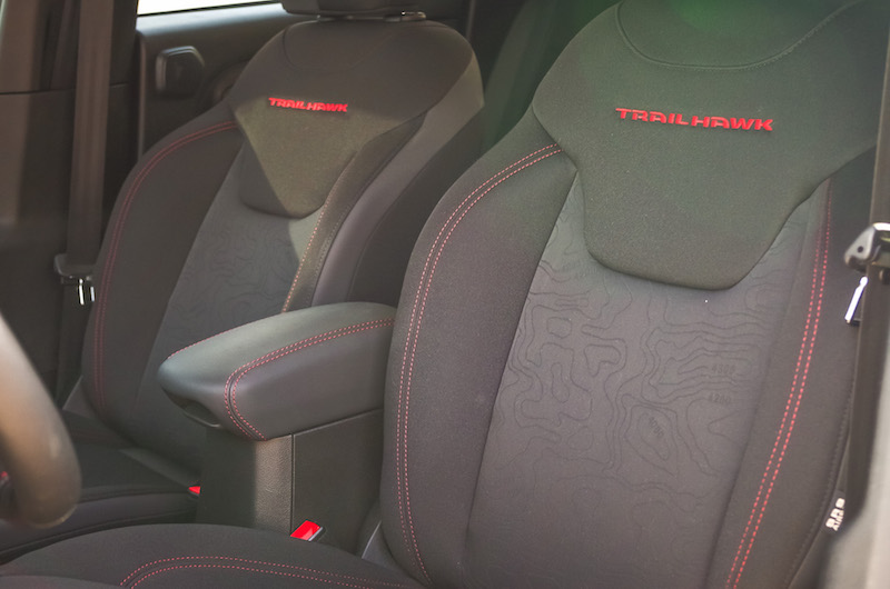 2017 Jeep Renegade Trailhawk front seats black