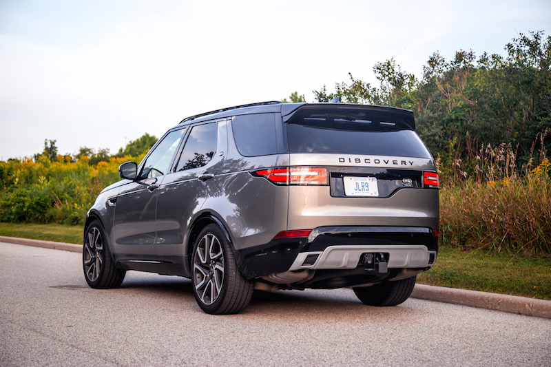 2017 Land Rover Discovery HSE black accents