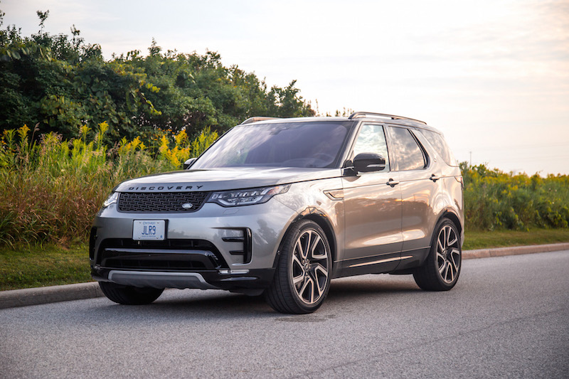 2017 Land Rover Discovery HSE black package