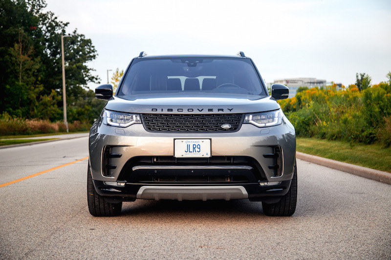 2017 Land Rover Discovery HSE front view