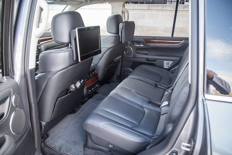 2017 Lexus LX 570 second row seats