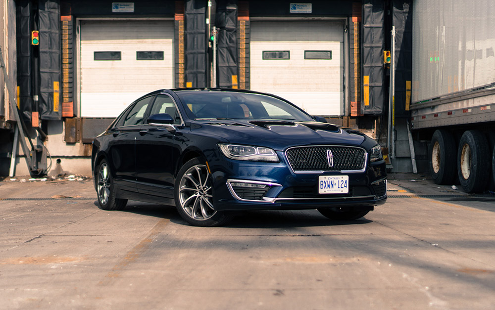 2017 Lincoln MKZ Midnight Sapphire Blue paint canada