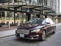 2017 Lincoln MKZ Hybrid in chicago illinois road trip