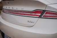 Lincoln MKZ Hybrid 2.0h badge