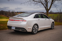 Lincoln MKZ Hybrid golf course