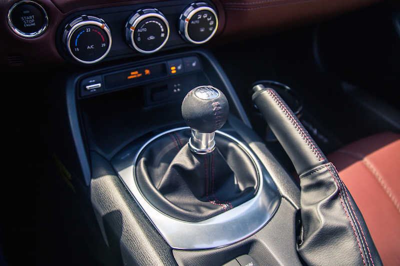 2017 Mazda MX-5 RF Grand Sport manual gear shifter
