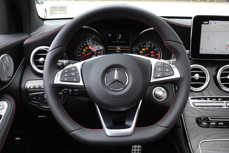 2017 Mercedes-AMG GLC 43 4MATIC Coupe steering wheel