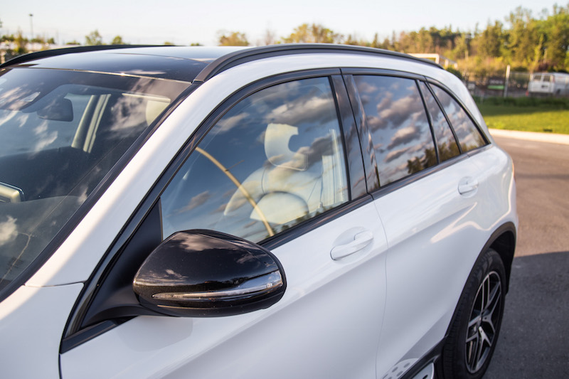 Mercedes-Benz GLC 300 amg blacked out window sills and side mirror