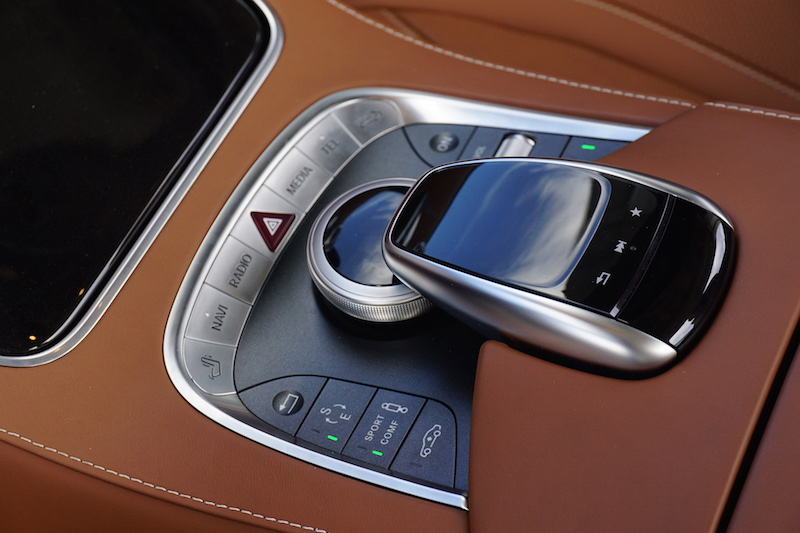 2017 Mercedes-Benz S 550 Cabriolet rotary gear shifter