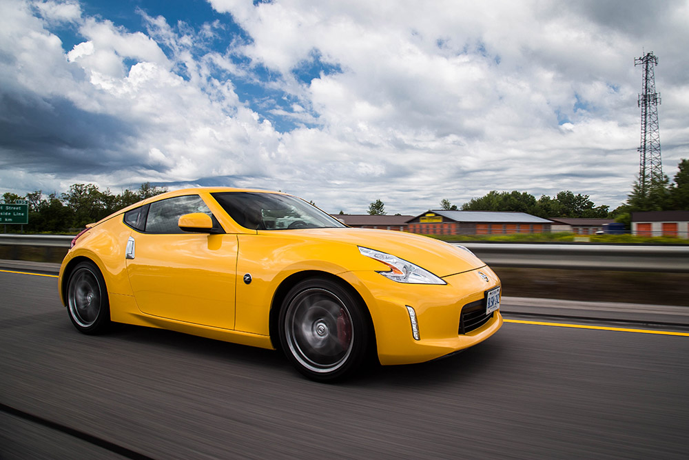 2017 Nissan 370Z Touring Sport review canada