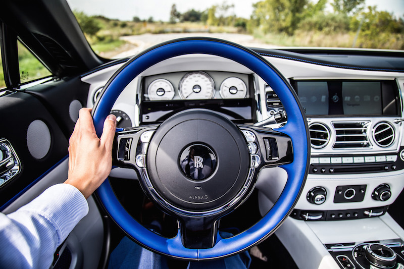 2017 Rolls-Royce Dawn steering wheel