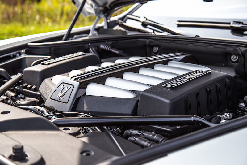 2017 Rolls-Royce Dawn v12 engine twin turbo from bmw