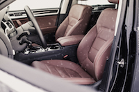 2017 Volkswagen Touareg front brown leather seats