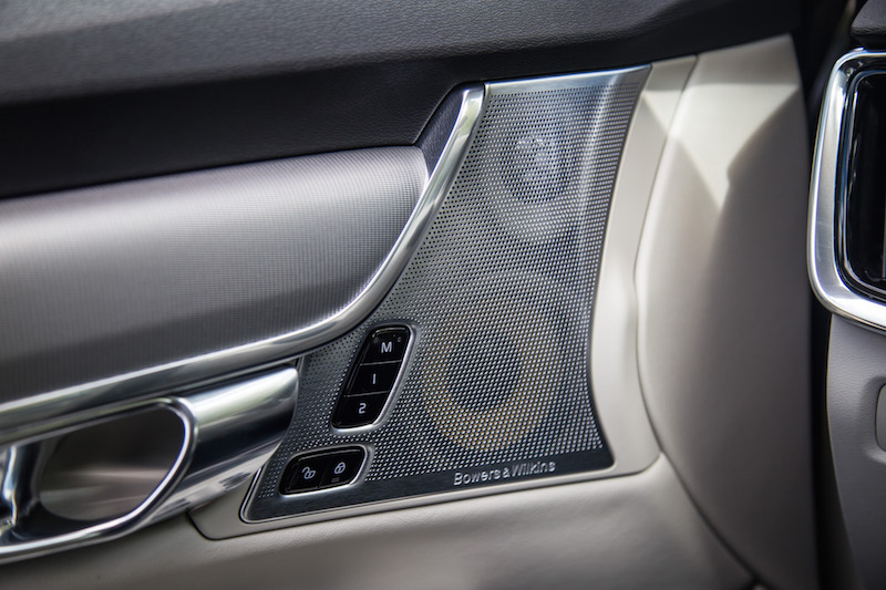 2017 Volvo V90 Cross Country bowers wilkins speakers