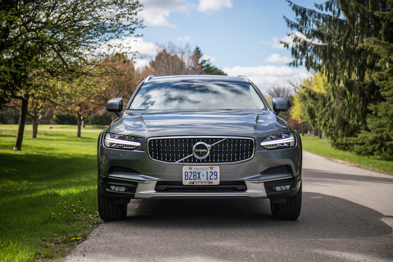 2017 Volvo V90 Cross Country gray paint