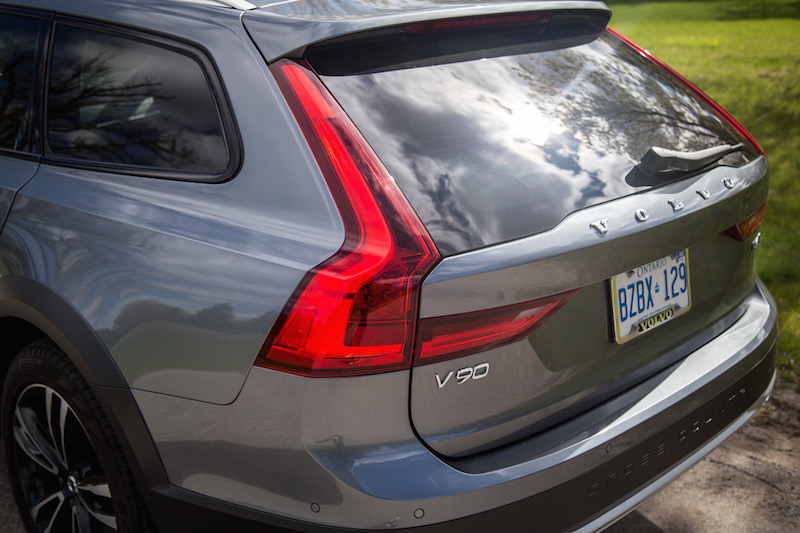 2017 Volvo V90 Cross Country rear tail lights