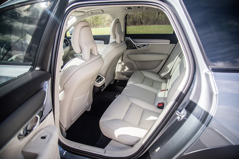 2017 Volvo V90 Cross Country rear seat legroom space