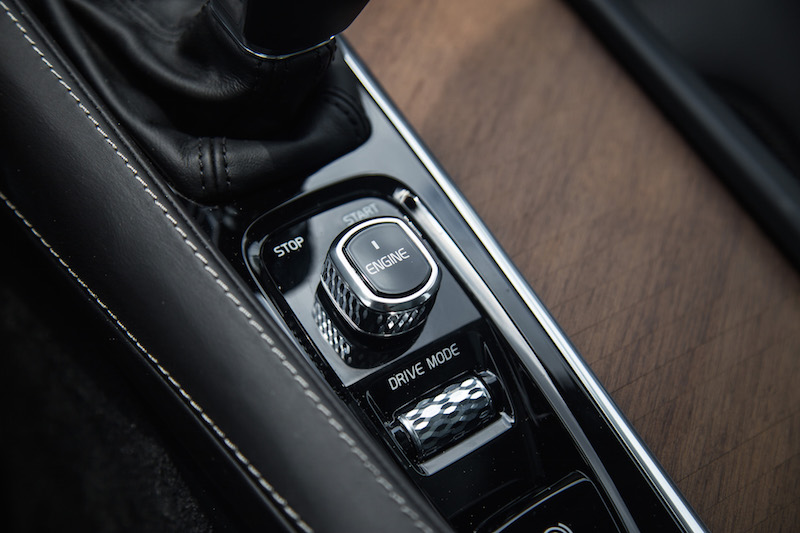 2017 Volvo V90 T6 Inscription engine switch dial