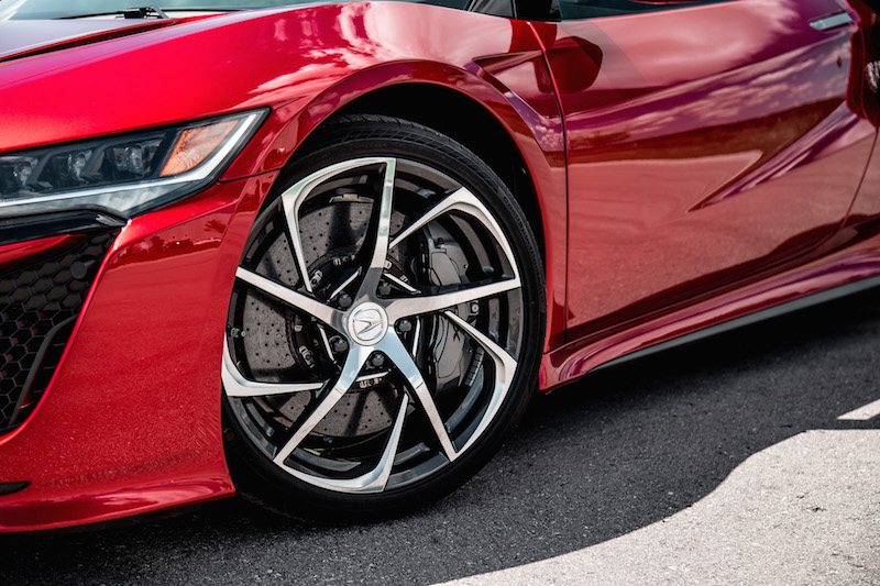 2018 Acura NSX wheels tires optional