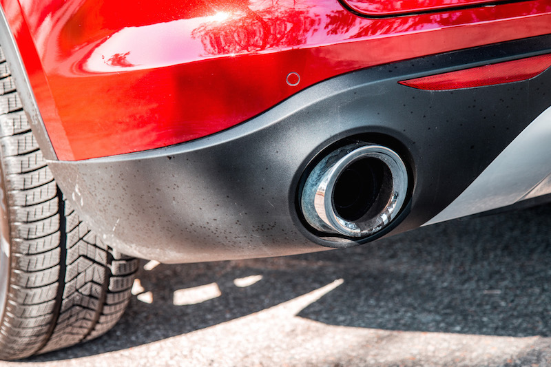 Alfa Romeo Stelvio exhaust tips on four cylinder model