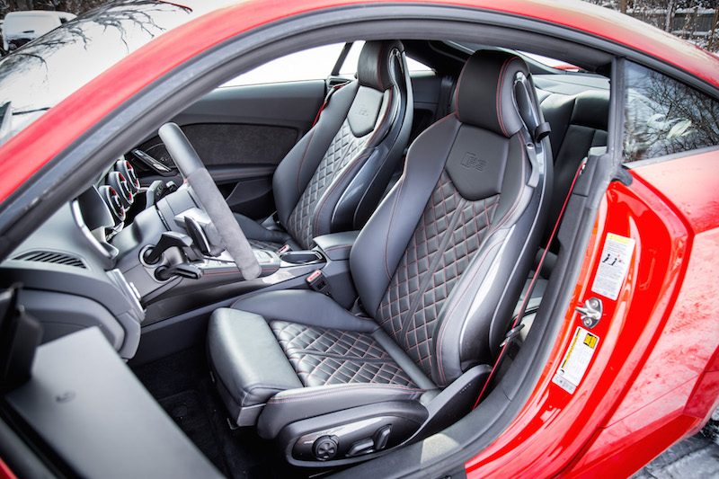 2018 Audi TT RS diamond quilted front seats