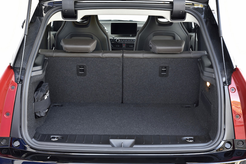 2018 BMW i3s trunk space