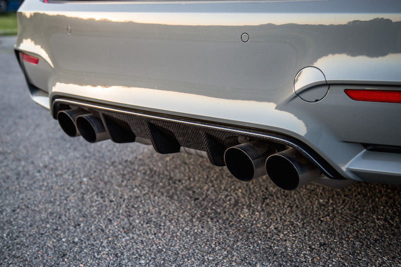 2018 BMW M3 CS exhaust pipes tips