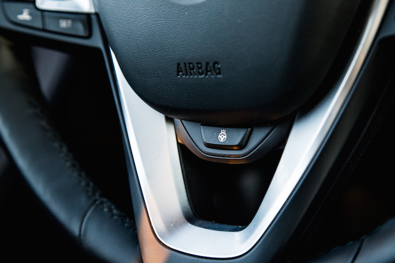 2018 BMW X3 M40i heated steering wheel button