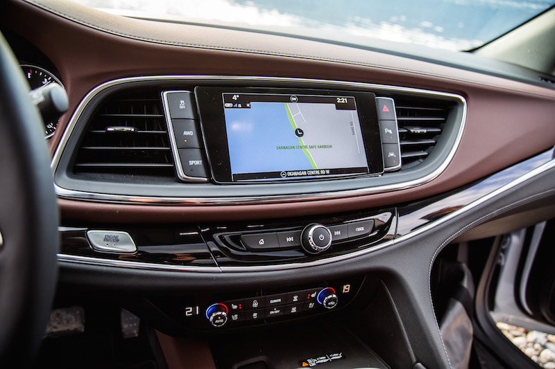 2018 Buick Enclave Avenir center stack display