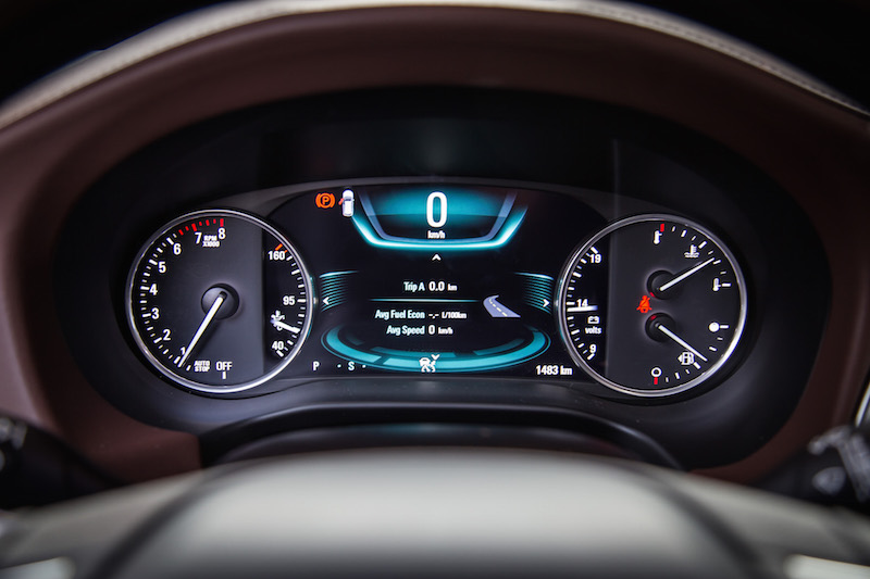 2018 Buick Enclave Avenir gauges digital