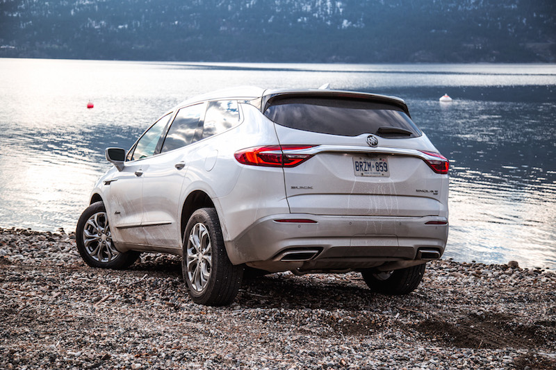 2018 Buick Enclave Avenir rear quarter view