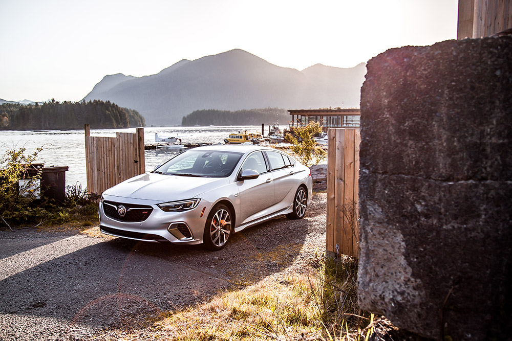2018 Buick Regal Sportback canada review first drive