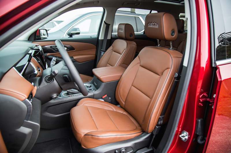 2018 Chevrolet Traverse front seats