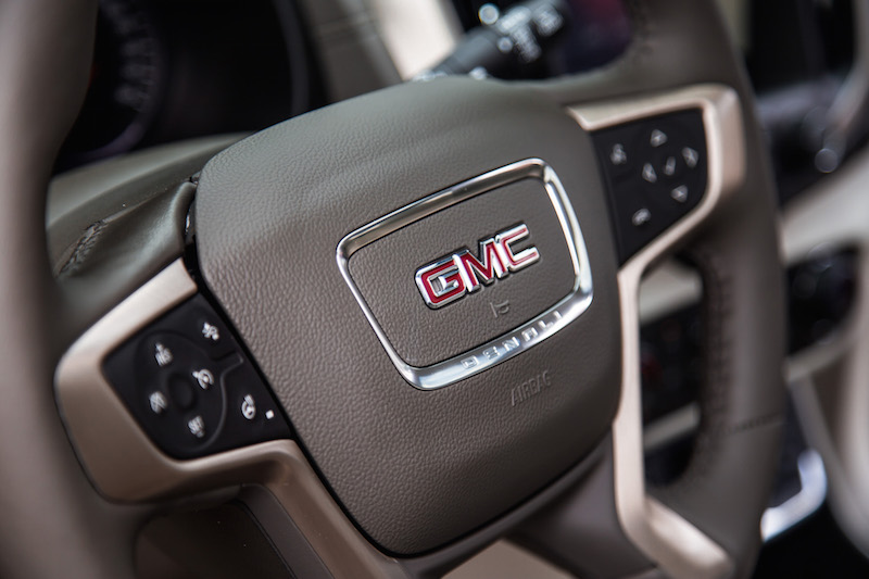 2018 GMC Terrain steering wheel denali