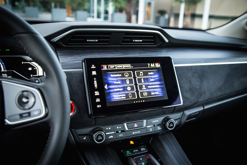 2018 Honda Clarity PHEV display 8-inch