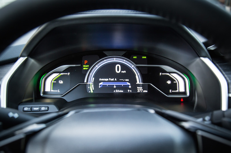 2018 Honda Clarity PHEV gauges digital