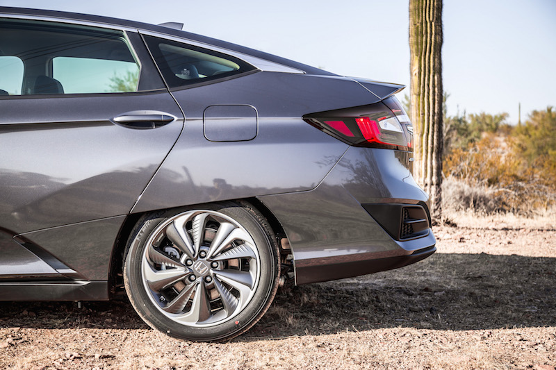 2018 Honda Clarity PHEV rear wheel cover fenders