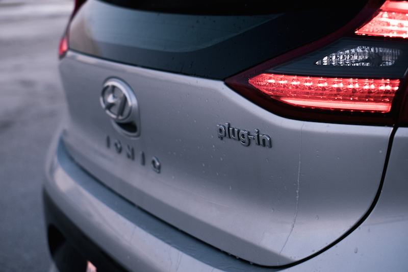 2018 Hyundai Ioniq PHEV Limited rear hatch lights