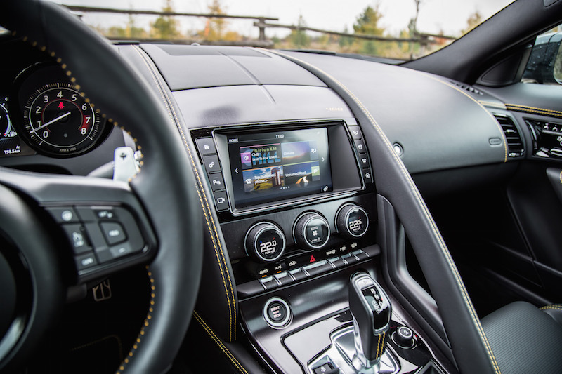 2018 Jaguar F-Type 400 Sport Coupe center console