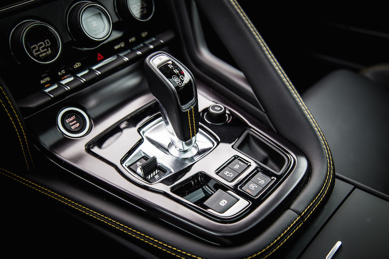 2018 Jaguar F-Type 400 Sport Coupe gear shifter