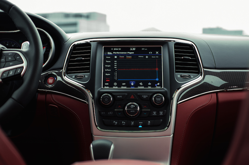 Jeep Cherokee Trackhawk center display
