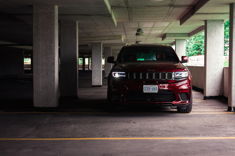 Jeep Cherokee Trackhawk red
