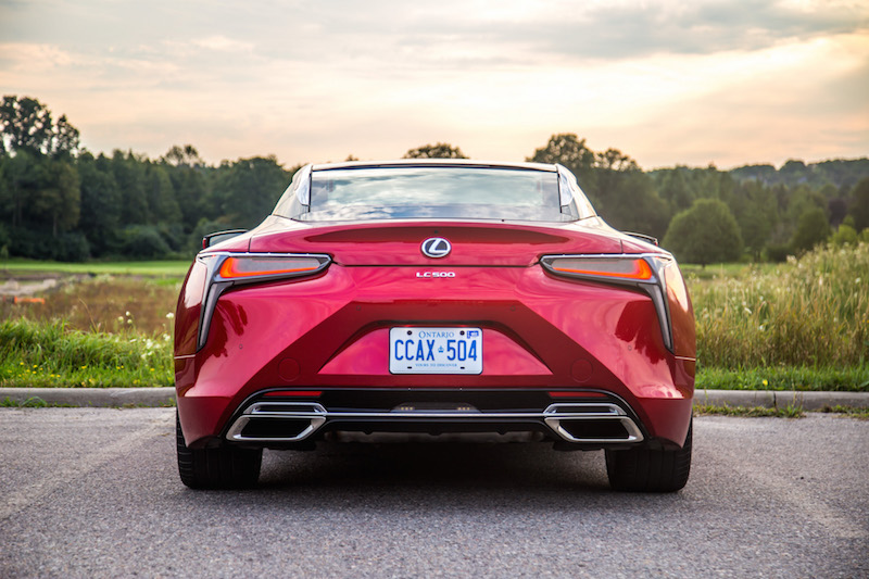 2018 Lexus LC 500 rear view exhausts