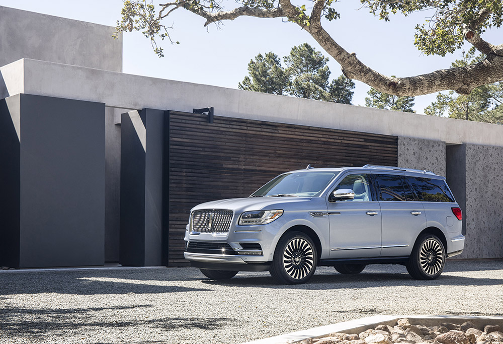 new lincoln navigator canada price news