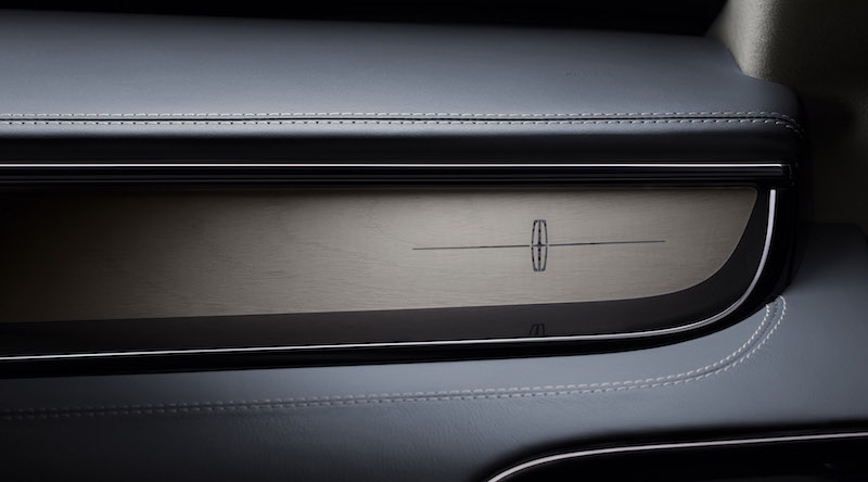 2018 Lincoln Navigator dashboard materials