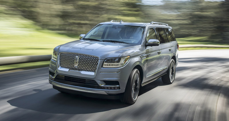 2018 Lincoln Navigator blue paint