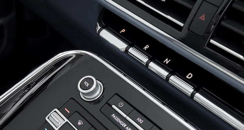 2018 Lincoln Navigator gear selector buttons